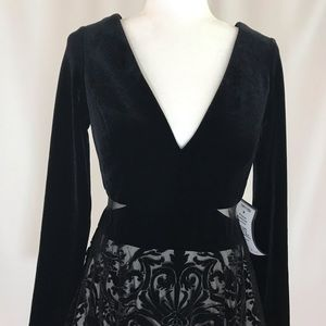 V-neck lace and velvet black mini dress (#17)